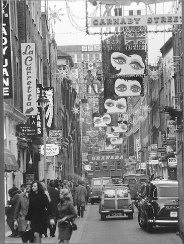 60s Carnaby Christmas Eric Wadsworth/Guardian/TopFoto.co.uk