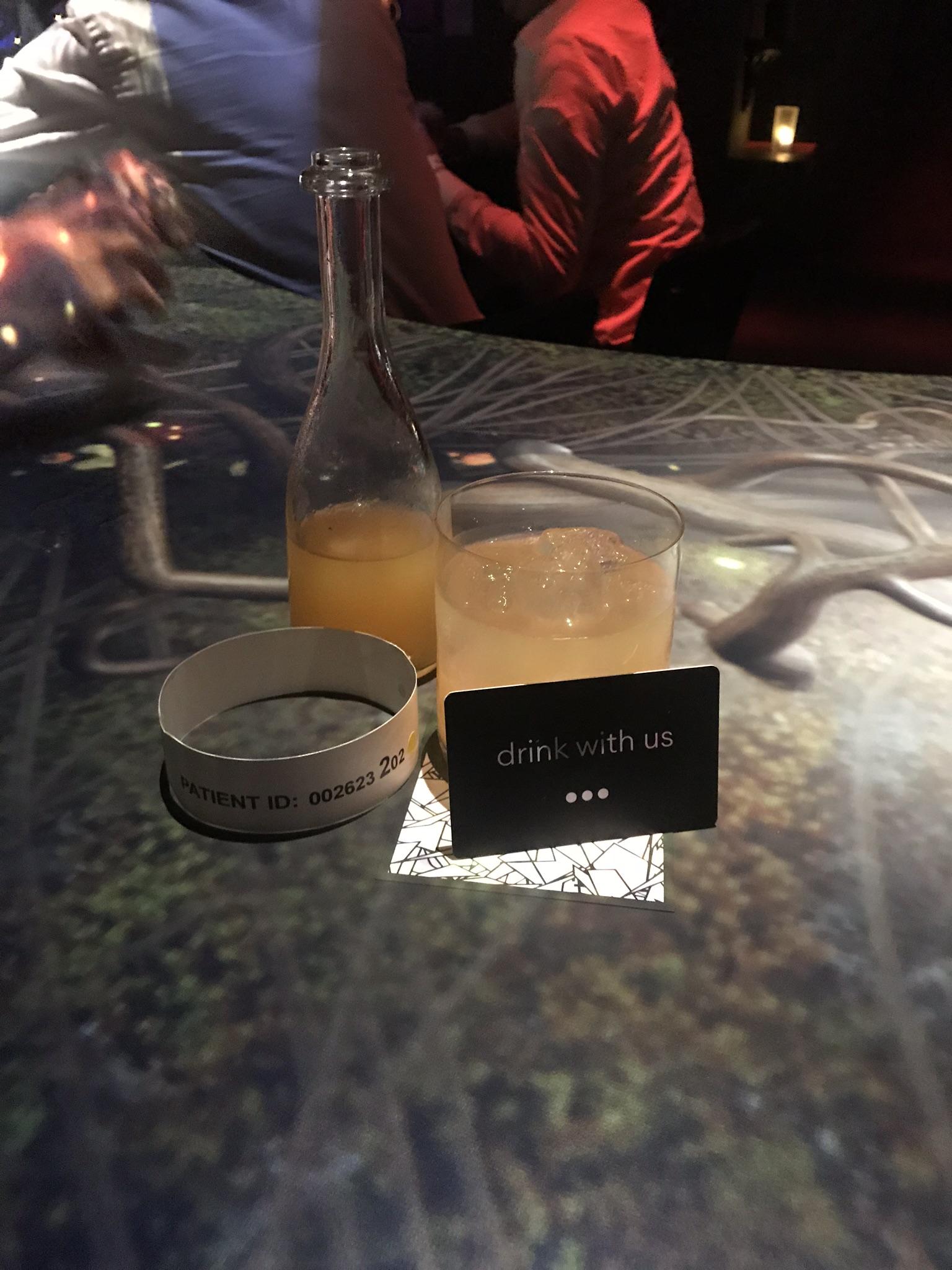 cocktails at Somnai