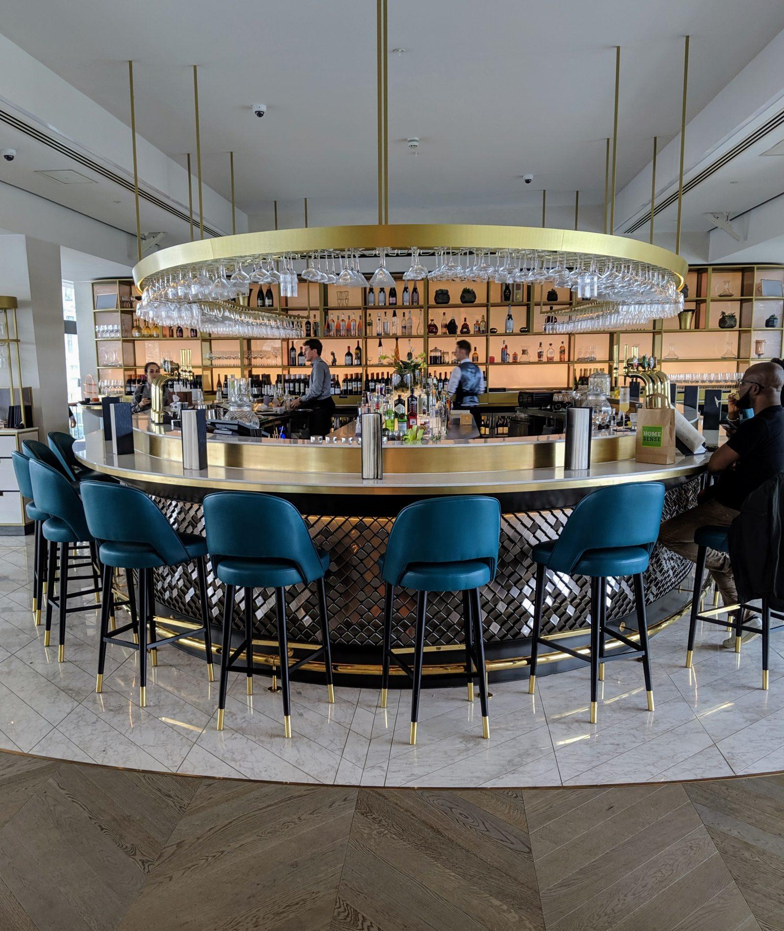 Vivi restaurant bar